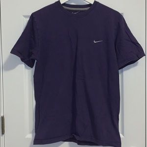 Nike Standard Fit T-Shirt